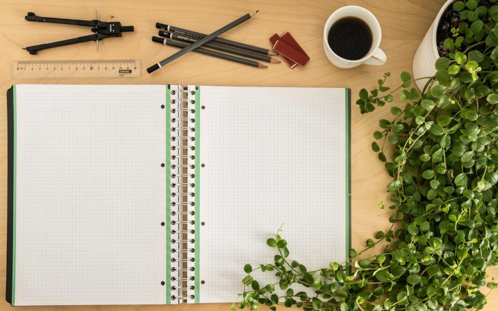 Caderno de anotações aberto