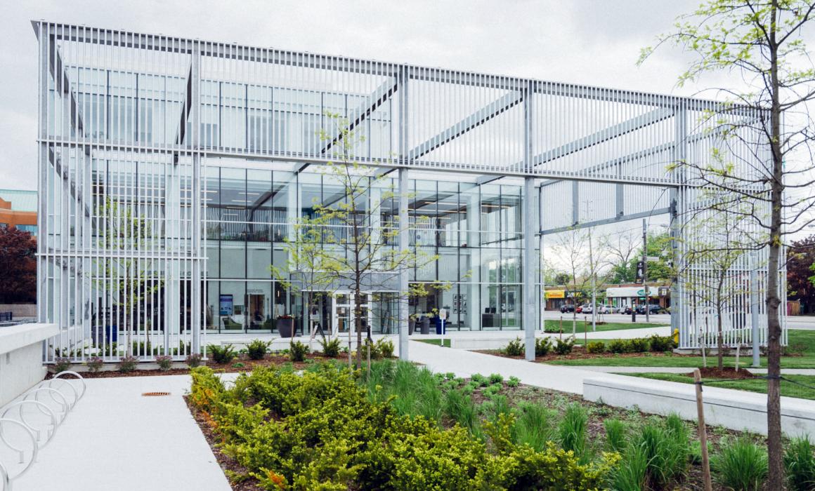 Jardim de receção de espaço empresarial